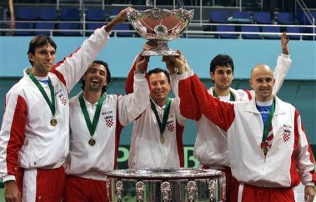 Winners of 2005 Davis Cup: Ivo Karlovic, Goran Ivanisevic, Nikola Pilic, Mario Ancic, Ivan Ljubicic (photo by Associated Press)